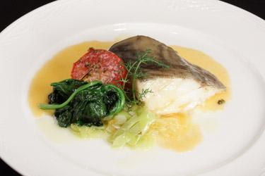 Cena para adelgazar con DietaPack: Bacalao a la mostaza con tomate y esparragos
