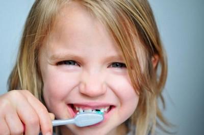 10 cuidados importantes para que tu hijo no tenga caries